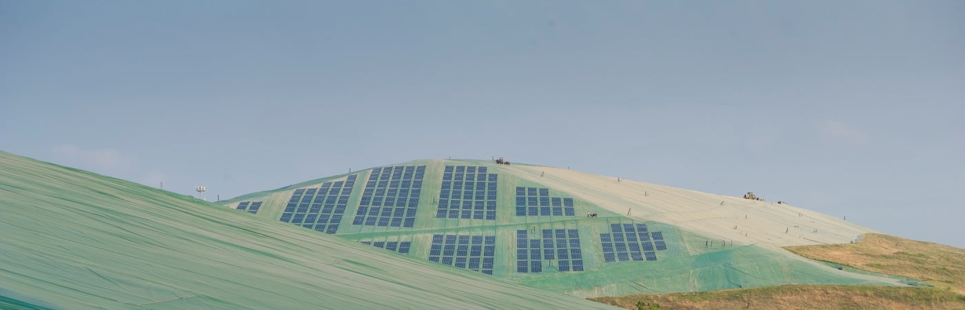 Exposed Geomembrane Solar Landfill Cap