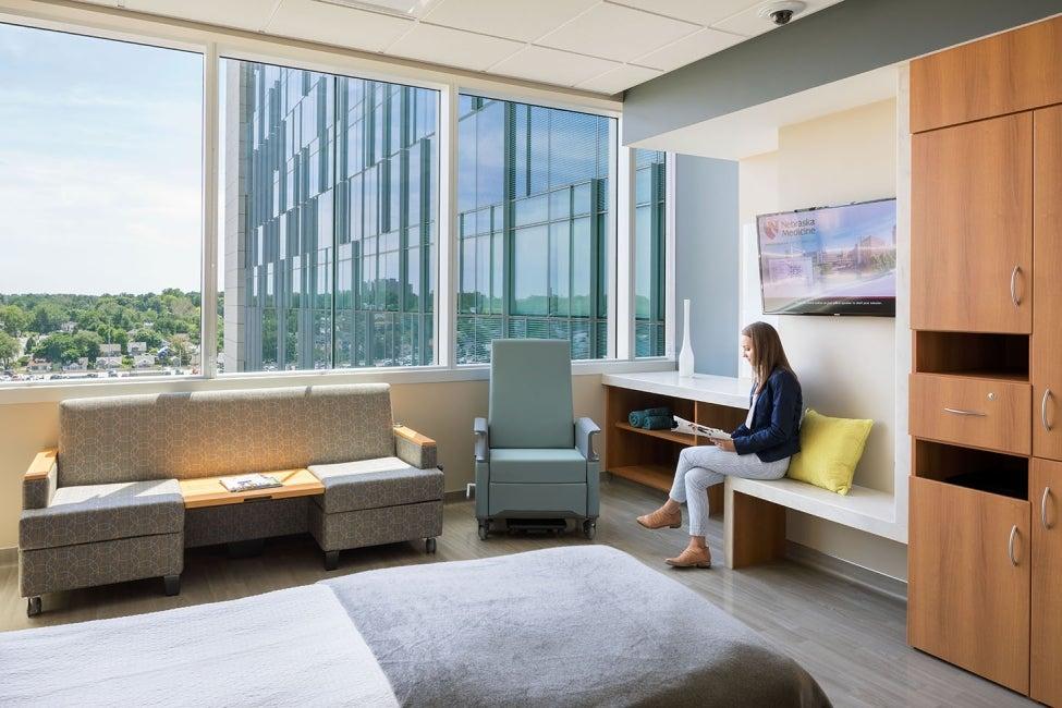 Fred & Pamela Buffett Cancer Center | HDR