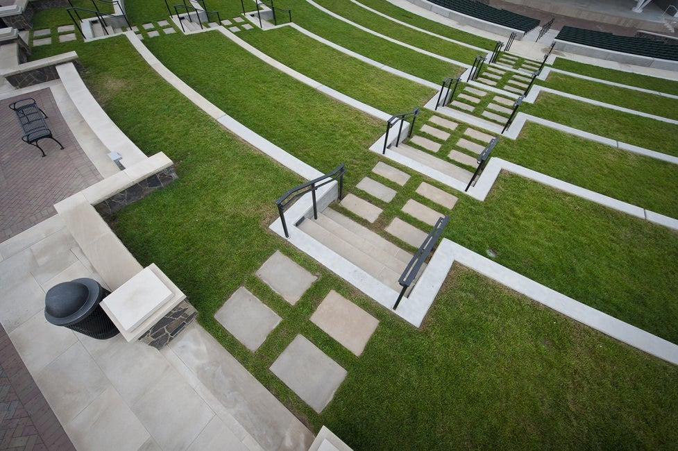 chsterfield-central-park-riparian-trail-amphitheatre-seating