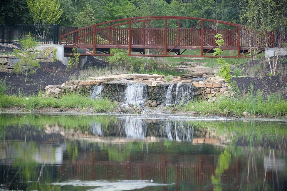 chesterfield-central-park-riparian-trail-pedestrian-bridge