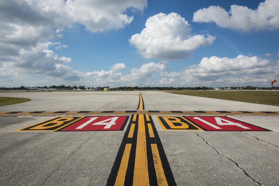 Palm Beach International Taxiway Signage