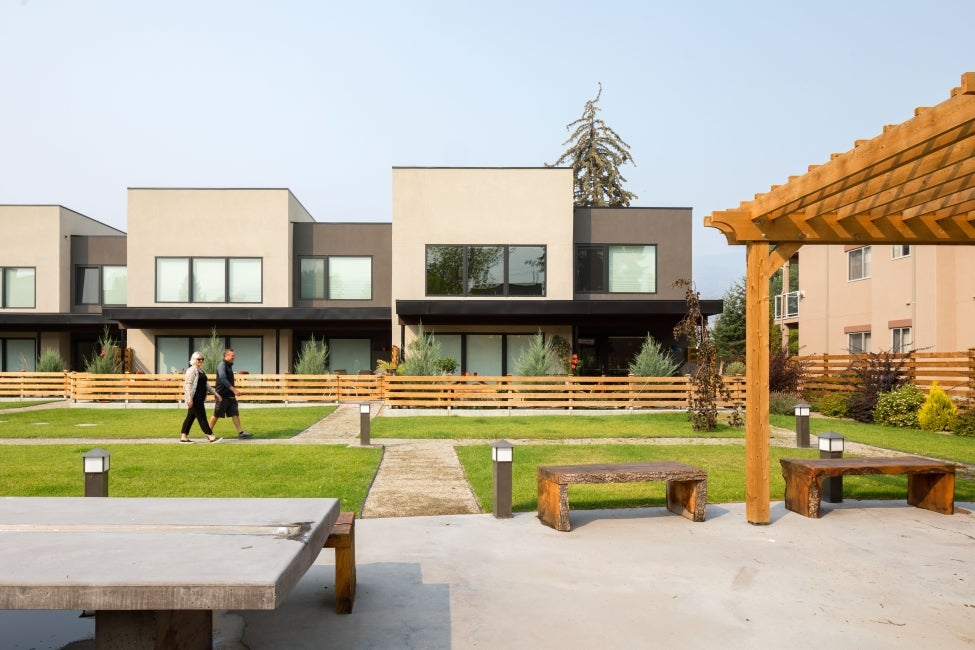 BeechWood Townhouses courtyard and communal space