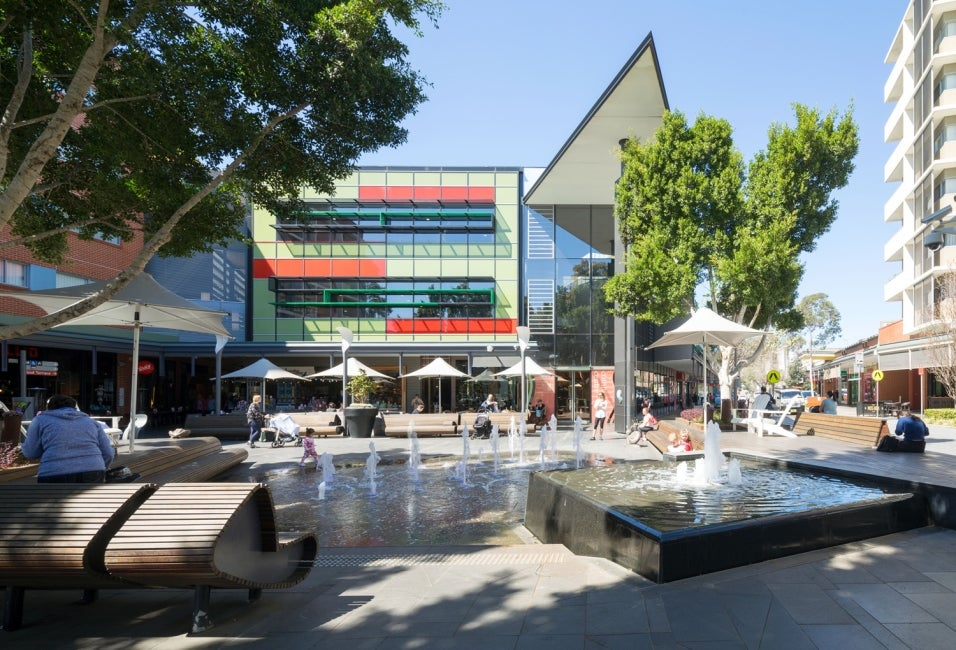 rouse hill town centre water feature hdr