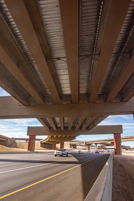 loop 202 south mountain freeway underpass