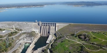 USACE Folsom Dam | HDR's Forecast-Informed Reservoir Operations Highlighted in Municipal Water Leader